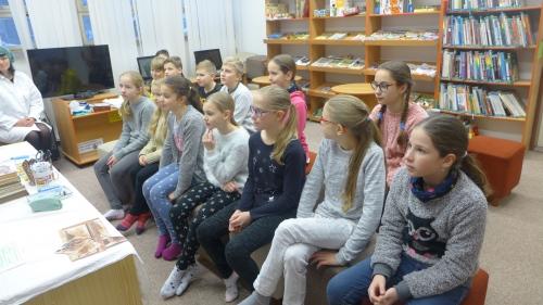 V. třída v knihovně
